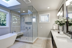 Spacious-Bathroom-In-Gray-Tone